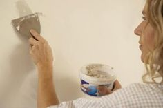 How to Fix Holes in Plaster Walls | eHow.com