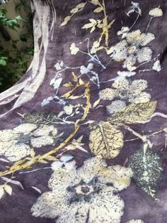 New technique from Irit Dulman just learnt und basteln stoffkunst, Textile Prints, Textile Art, Textiles, Fabric Painting, Fabric Art, Shibori, Natural Dye Fabric, Natural Dyeing, How To Dye Fabric