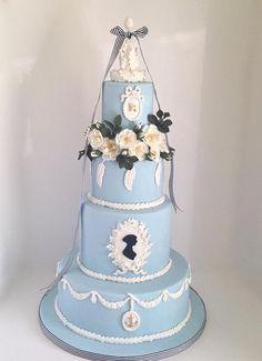 A Jane Austen Birthday Celebration Cake Fabulously Floral Cakes Wedding Cakes Spalding Lincolnshire | A Jane Austen Birthday Cake