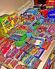Snack Food For Party Ideas Where Junk Food Snacks Near Me About Healthy Snack Food .Snack food for party ideas, where junk food snacks near me about healthy snacks for a partySnack Foods Still Easy Sleepover Snacks, Sleepover Birthday Parties, Best Junk Food, Junk Food Snacks, Healthy Recipes, Snack Recipes, Healthy Snacks, Candy Lady, Snack Brands