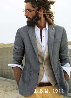 L.B.M. 1911 - S/S 2014 ....love this whole look...from the hair and bead to the blazer and pants