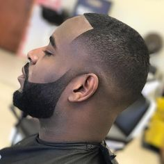 Short Beard style for black men http://www.99wtf.net/men/inspirations-stylish-mens-hairstyles-thick-hair/