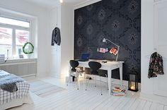 Decora el radiador: Píntalo http://www.icono-interiorismo.blogspot.com.es/2015/11/decora-el-radiador-pintalo.html