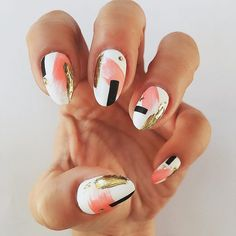 Coral, white, gold, and black... and all under 30 minutes?? Check it out at NailChamp.com!! #nailchamp #sponsored @nailchamp