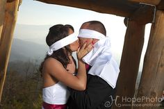 Photos: Take a photo like this right before the wedding outside! I want to take this!!!!