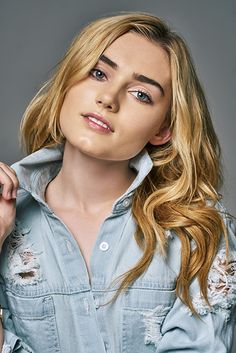 Name: Meg Donnelly DOB: July 2000 From: New York, New York City, U. Zombie Disney, Zombie 2, Kim Possible Cosplay, Meg Donnelly, Zombie Movies, Disney Channel Stars, Millie Bobby Brown, Famous Women, Famous People
