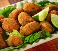 "My favorite tapa in Spain ""croquetas con limon"" - croquettes with ham Vegan Vegetarian, Vegetarian Recipes, Cooking Recipes, Healthy Recipes, Sauce Recipes, Cuban Recipes, Veggie Recipes, Chicken Recipes, Ham Croquettes Recipe"