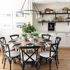 This month, I was able to be a part of Designer Series. I'm a big believer that home parties should feel like home. Dining Decor, Dining Room Table, Farmhouse Kitchen Decor, Kitchen Dining, Farmhouse Round Dining Table, Home Kitchens, Kitchen Remodel, Sweet Home, Decoration