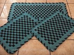 Resultado de imagem para tapete de barbante quadrado para cozinha Crochet Decoration, Carpet, Rugs, Costume, Kitchen Playsets, Diy And Crafts, Double Crochet, Paintings, Bebe