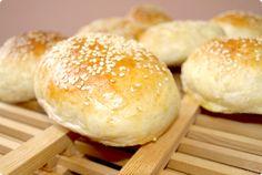Minipanecillos de hamburguesa | Velocidad Cuchara Bread Machine Recipes, Bread Recipes, Baby Food Recipes, My Recipes, Thermomix Bread, Cooking Bread, Pan Bread, Our Daily Bread, Mini Cakes