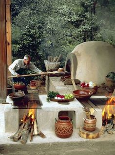 Cooking outdoors at Outdoor Kitchen brings a different sensation. We can use our patio / backyard space to build outdoor kitchen. Outdoor kitchen u. Garden Pizza, Pergola, Pizza Oven Outdoor, Mexican Kitchens, Wood Fired Oven, Hacienda Style, Rocket Stoves, Earthship, Mexican Style