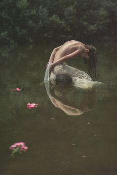 """OPHELIA"" — Photographer: Irma Kanova - IRMA FOTO - Dark Beauty"