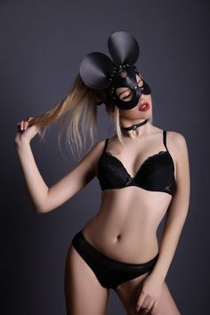 Searching for a unique mask? You have come to the right place! Get our Leather Mouse Mask at an unbeatable price. Free worldwide shipping is included when you order our Leather Mouse Mask today! Leather Mask, Leather Harness, Mouse Mask, Headpiece, Black Leather, Trending Outfits, Minnie Mouse, Unisex, Star