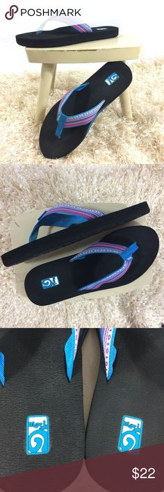 bbbb6befc Teva Mush striped flip flops thong sandals 9 These are the most comfy flip  flops Ive
