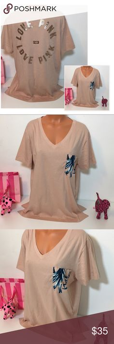 """NEW PINK VS BLING TROPICAL V NECK SHIRT NEW PINK VICTORIA'S SECRET BLING SEQUINED """"LOVE PINK"""" IN THE BACK, SHORT SLEEVE SHIRT WITH TROPICAL PRINT IN THE POCKET.   COLOR PEACH MAUVE SIZE M (OVERSIZED)   FAST SHIPPING!!! ✅    Check out my other items! I am sure you will find something that you will love it! Thank you for watch!!!!!   Be sure to add me to your favorites list! PINK Victoria's Secret Tops Tees - Short Sleeve"""