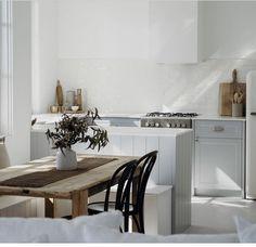 Australian Homes, Cabinet Makers, Farmhouse Kitchen Decor, Scandinavian Design, Foto E Video, House Tours, Dining Bench, Dining Room, Contemporary