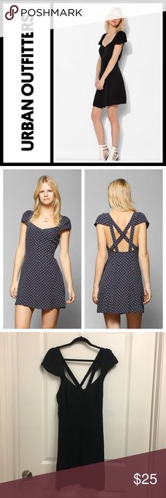Urban Outfitters black cross back dress GUC, no flaws - worn a few times. Crosses in the back - size 6! Cute LBD 👗 Urban Outfitters Dresses Mini
