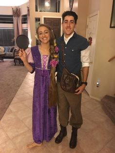 Rapunzel and Flynn Rider from Tangled Halloween couple costumes! Disney Couple Costumes, Easy Couple Halloween Costumes, Easy Couples Costumes, Couples Halloween, Halloween Costume Contest, Couple Costume Ideas, Couple Outfits, Halloween 2020, Diy Costumes