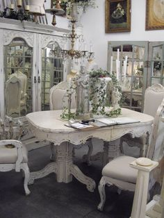 what an amazing table for dining room