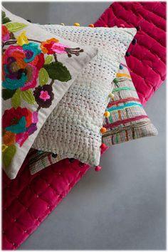 Cushions and plaids by VIVARAISE France