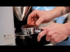 How to Grind in the Doser | Perfect Coffee