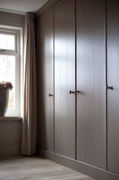 Built in closet Bedroom Wardrobe, Wardrobe Doors, Built In Wardrobe, Closet Doors, Home Bedroom, Bedroom Decor, Room Interior, Interior Design Living Room, Bedroom Cupboards