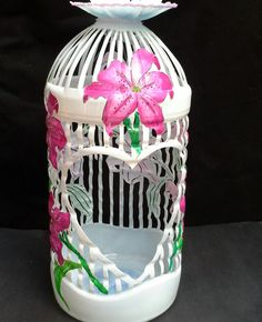 Jaula botella d Art Plastic, Plastic Bottle Flowers, Plastic Bottle Crafts, Recycle Plastic Bottles, Coke Bottle Crafts, Water Bottle Crafts, Recycled Crafts, Diy And Crafts, Plastic Container Crafts