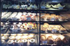 Maui - places to eat - leodas-pie-shop.jpg