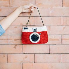 ❤ 'Red' is the best color forever. ❤ (In China, red is the color of good luck and is used as a holiday and wedding color 😉✨)  .  ⚪️ Shop online:: http://etsy.me/2levUYe #meemanan #everythingcrochet #crochetbag #crochetpurse #crochetcamera #vintagecamera #cameragifts #handmade #craftsmanhome #redgift #etsyshop #etsycrochetshop #pinkoi #pinkoishop