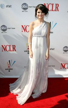 28 Best Selena Gomez Prom Dress Sweet 16 Dresses Celebrity Red ... 8043d92d3c7b