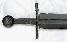 """Résultat de recherche d'images pour """"medieval sword museum"""""""
