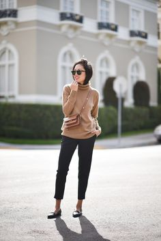 An Incredibly Chic Take On The Cashmere Turtleneck | Le Fashion | Bloglovin