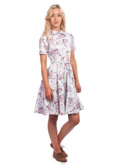 The floral Gina dress from Circus, at Carousel Vintage Inspired Outfits, Vintage Style Outfits, Vintage Dresses, Vintage Fashion, Latest Summer Fashion, Lilac, Short Sleeve Dresses, Shirt Dress, Summer Styles