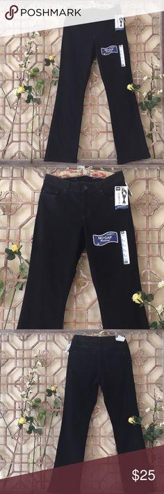 "NWT Lee black curvy bootcut jeans NWT basic black curvy bootcut jeans from Lee. Very flattering fit. Length 42"" inseam 33"" waist 15 1/2"" rise 9"" Lee Jeans Boot Cut"