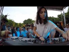 Amelie Lens - LaPlage de Glazart (klik > aardige techno set)