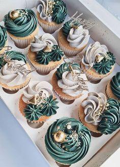 Elegant Cupcakes, Fancy Cupcakes, Pretty Cupcakes, Peach Cupcakes, Rustic Cupcakes, Wedding Cupcakes, Cake Decorating Techniques, Cake Decorating Tips, Cookie Decorating