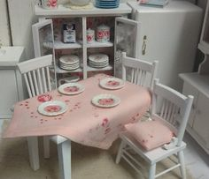 shabby chic kitchen (plates available on Etsy)