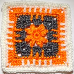 365 Days of Granny squares - Day 23 - Pattern ♥