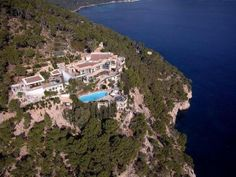Luxury Holiday Villa Can Calent, Formentor, Mallorca North, sleeps 14, 2 pools