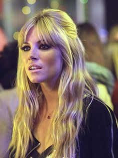 50 Most Bardot Bangs Stylist Hairstyle in 2017 Short Hair Styles Easy, Short Hair Updo, Braided Hairstyles Updo, Hairstyles With Bangs, Ombre Hair Color, Blonde Ombre, Blonde Hair, Sienna Miller Hair, Sienna Miller Fringe