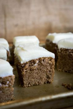This Keto Gingerbread Cake recipe is hands down my favorite dessert recipe and is insanely perfect for the holiday season! Gingerbread can be tricky on a keto diet since it usually requires molasses or brown sugar to get that deep flavor, but we found the perfect trick to achieving the deep flavor along with keeping …