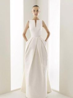 Wow dress, The Bridal Dish adores!!!  Find out more about our complimentary wedding planning studio www.TheBridalDish.com