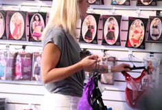 How to Lure Your Man Into Going Shopping with You   http://www.biancazenkees.com/how-to-lure-your-man-into-going-shopping-with-you/