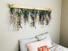 Blumen-Wand-Dekor Hand Made , Flower Wall Decor Blumen-Wand-Dekor Diy Wand, Decoration Bedroom, Diy Wall Decor For Bedroom, Diy Wall Decorations, Decor Room, Diy Bedroom Projects, Wall Decor Crafts, Bedroom Rustic, Bedroom Ideas