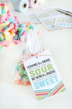 Celebrate the last day of school with a sweet gift, these Free Class Gift Idea - Sour Patch Kids Printables are perfect! School Treats, School Gifts, Student Gifts, Classmate Gifts End Of Year, Student Treats, End Of School Year, School Fun, School Days, School Stuff
