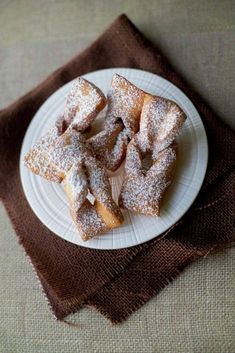 A delicious fry pastry. Chilean Recipes, Pan Dulce, Pudding, Cookie Desserts, Sweet And Salty, Churros, Desert Recipes, Sweet Recipes, Bakery