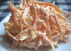 Delicious recipes Carrot salad with cheese and garlic Raw Food Recipes, Salad Recipes, Cooking Recipes, Healthy Recipes, Delicious Recipes, Top Salad Recipe, Good Food, Yummy Food, Carrot Salad
