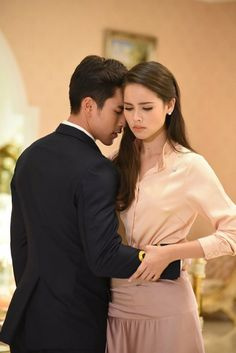 The crown Princess Couple Goals Teenagers Pictures, Cute Hug, Thai Princess, Ladies Gents, Stylish Couple, Face Photography, Thai Drama, Sweet Couple, Celebrity Couples