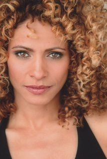 Michelle Hurd Michelle was born in New York City, New York. She is married to Garret Dillahunt. She is an actress, known for The Glades, Another World, Law & Order: Special Victims Unit and Random Hearts. Black Actresses, Black Actors, Actors & Actresses, Black Is Beautiful, Beautiful Eyes, Beautiful People, Beautiful Women, Michelle Hurd, Color Trends