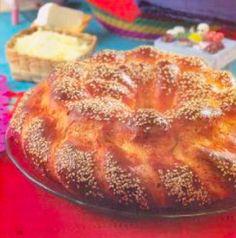 Pan de muerto relleno de queso